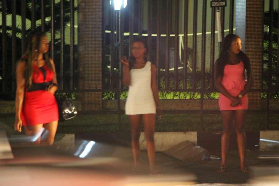 Prostitutes Petroúpolis